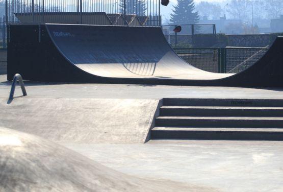 Będzin - Betonmonolith für den Skatepark