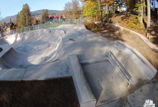 Skatepark in Szklarska Poręba - beton