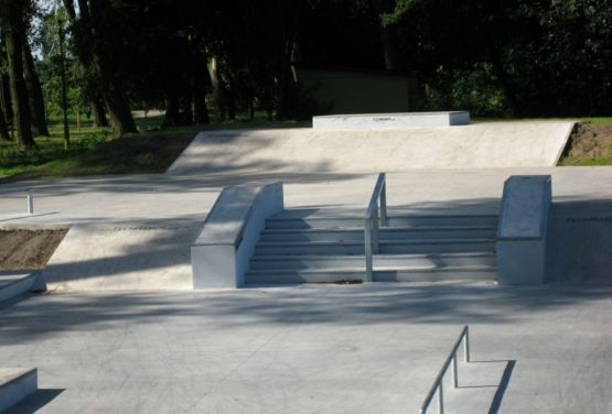 Elemente im konkreten Skatepark Stepnicy