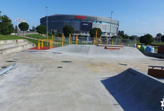 Betonowy skatepark w Gdańsku