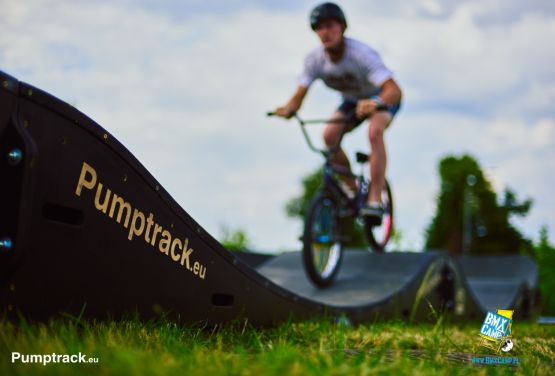 BMX on modular pumptrack