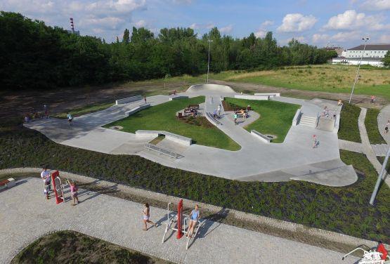 Miejsce rekreacji w Chorzowie - skatepark betonowy