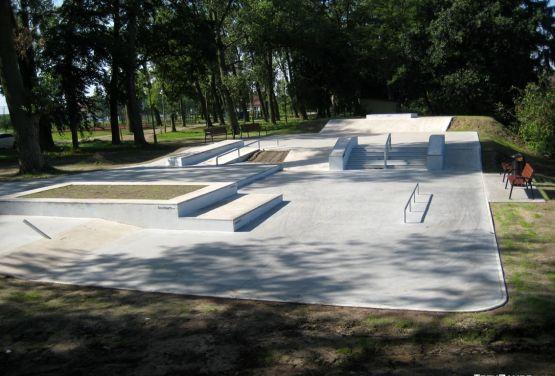 Concrete skatepark Stepnica