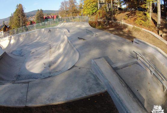 Beton skatepark -  Szklarska Poręba - Techramps