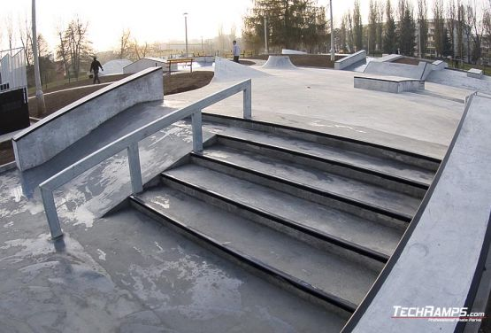 Skateplaza beton - Cracovia Mistrzejowice