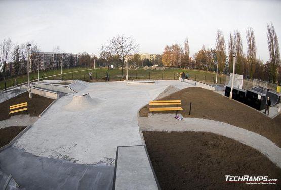 Cracovia Mistrzejowice Skateplaza de hormigón