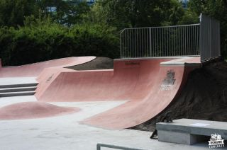 Red quarterpipe - Cracow