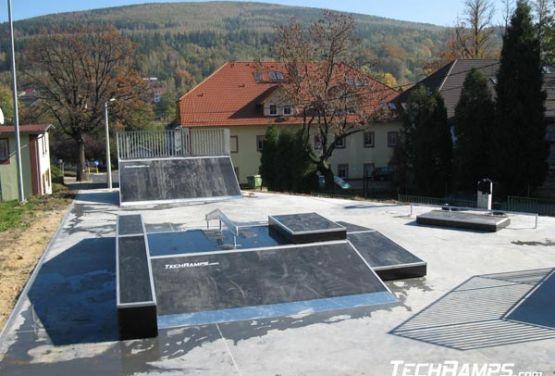 Funbox w skateparku w Świeradowie
