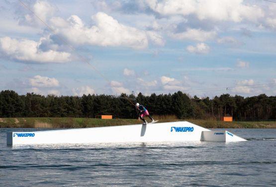 Boardslide en GoodLife Cable Park