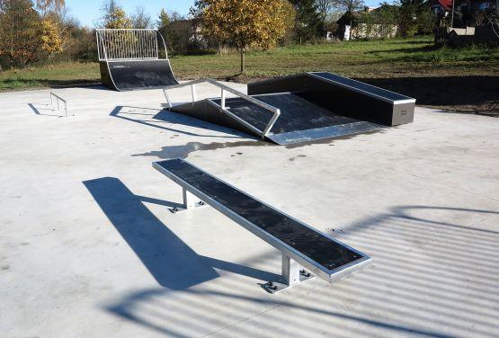 Skatepark à Żelechlinek
