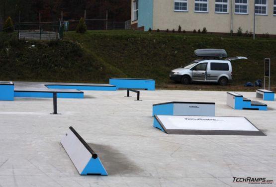Blick auf Hindernisse - Skatepark Torzym