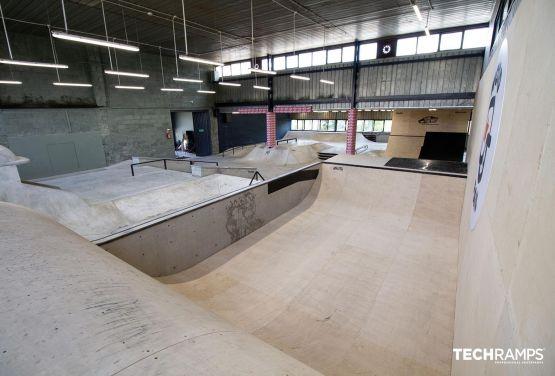 Kryty skatepark w hali