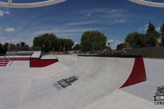 Busko-Zdrój Skatepark Monolith
