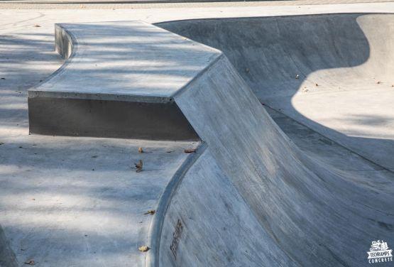 béton obstacle à Nakło nad Notecią skatepark