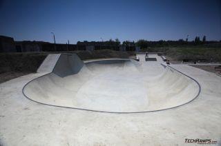 Betonowy skatepark w Opolu