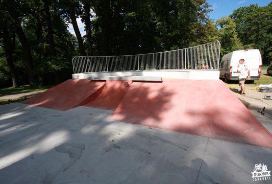 Skatepark w Parku Jordana