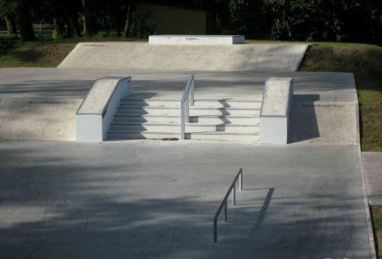Skatepark Stepnica - plaza