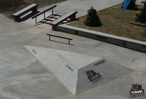 betonowe elementy - skateplaza Przysucha