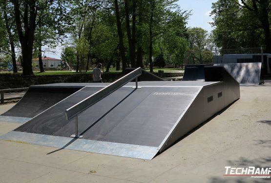 Poręcz w skateparku w Sulęcinie