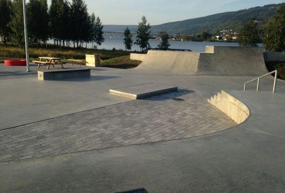 Przeszkody w norweskim skateparku (Lillehammer - Norwegia)
