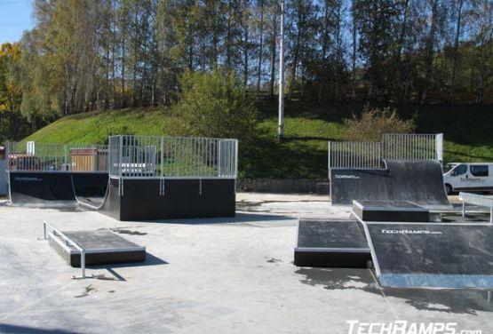 Przeszkody w skateparku w Świeradowie
