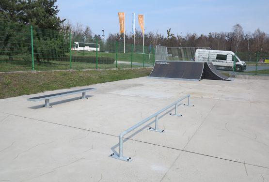 Przeszkody w skateparku w Tarnowskich Górach (śląskie)