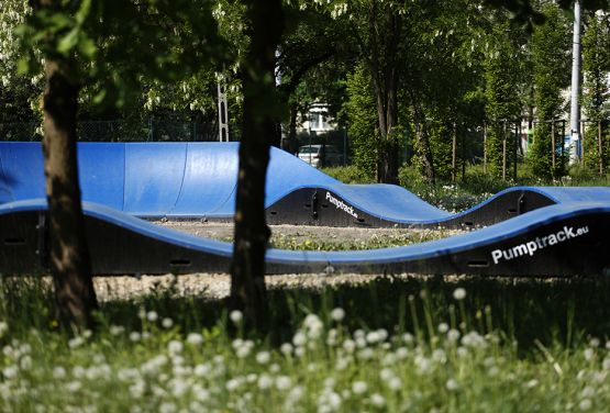 Bleu modulaire pumptrack à Cracovie