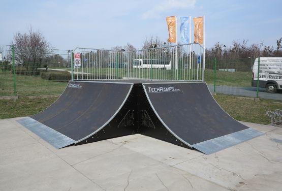 Quarter Pipe in skatepark in Tarnowskie Góry (Poland)