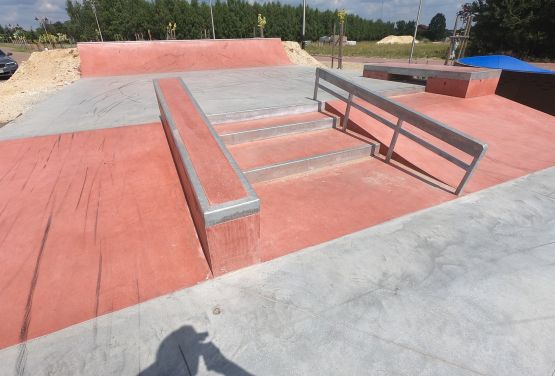 Schody w betonowym skateparku - Sławno