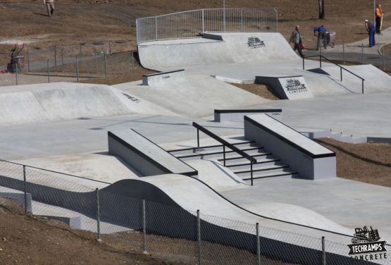 Beton skatepark à Olkusz