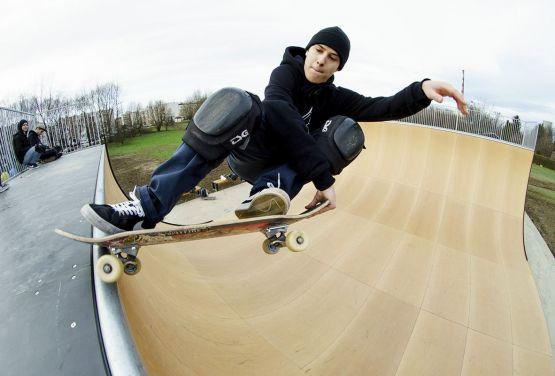 Skate sur le Vertramp à Cracovie