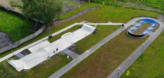 Skatepark aus Beton in Chęciny