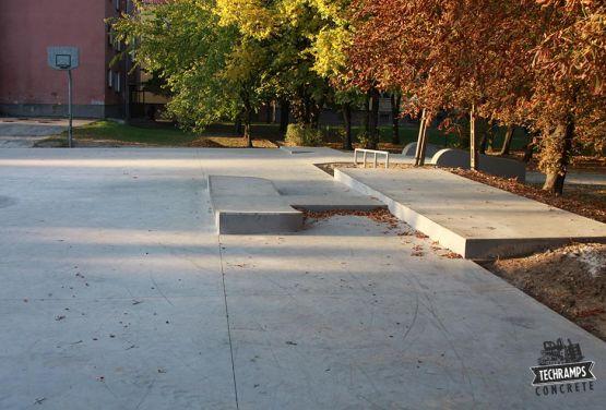 Skatepark betonowy - Komarówka