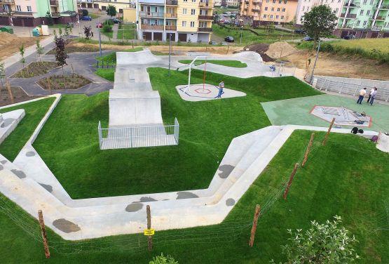 Nowy skatepark betonowy w ŚwieciuSkatepark betonowy w Świeciu