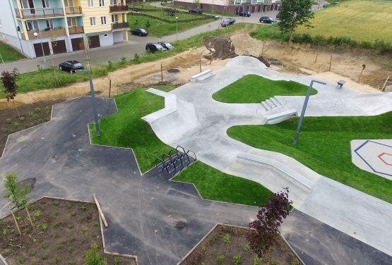 Skatepark betonowy w Świeciu od Techramps