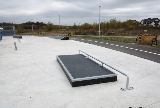 Manualpad/rail - Bilcza skatepark