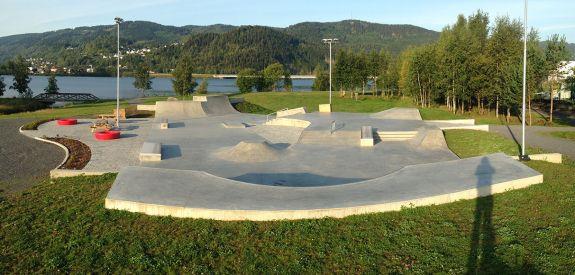 Skatepark de béton à Lillehammer (Norvège)
