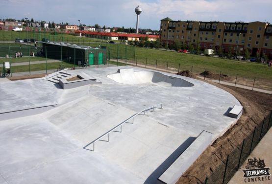 Skatepark monolítico en Wolsztyn