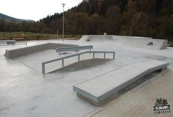 Skatepark Milówka - obstacle en béton