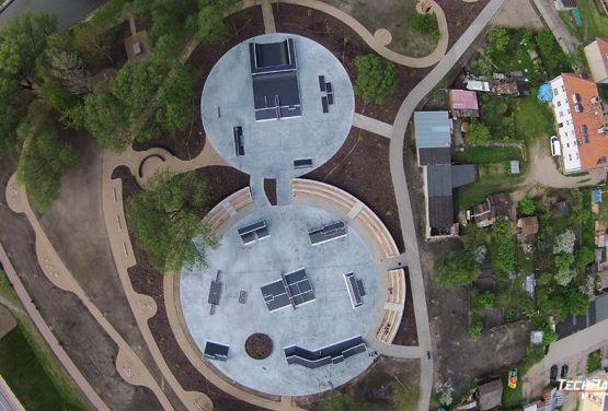 Skatepark modular en Pisz ciudad polaca - vista de drone