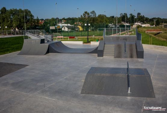 Skatepark - en Wąchock (Polonia)
