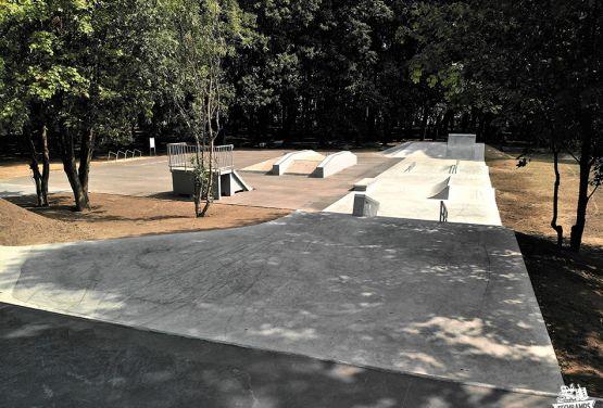 Skatepark dans le Kopernik Parc