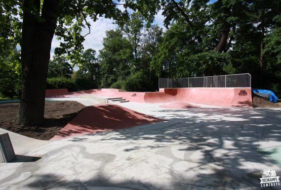 Colour concrete skatepark