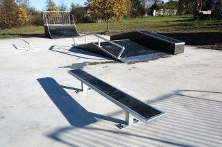 Skatepark in Żelechlinek in Łódź Woiwodschaft