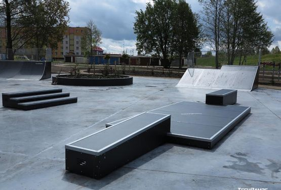 Obstáculo en skatepark modular (Pisz)