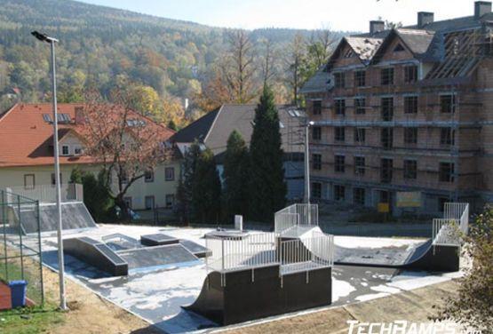 Vista en skatepark en Świeradów-Zdrój
