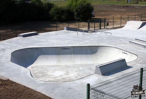 Skatepark de hormigón - Wolsztyn Polonia
