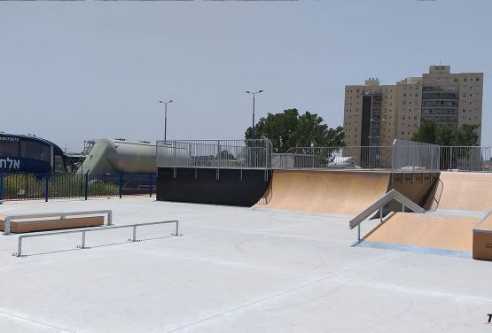 Modułowe przeszkody - skatepark Ramla