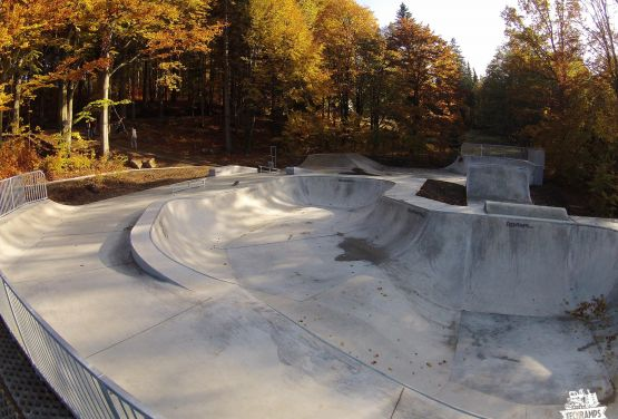 Betonowy bowl- skatepark - Szklarska Poręba