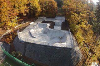 béton skatepark à Szklarska Poręba in Poland